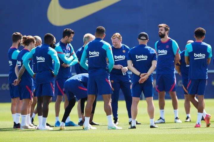 La idea es que se formen en la cantera azulgrana hasta llegar al primer equipo. EFE