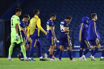 O coronavírus volta a parar o futebol. EFE/Marcelo Endelli