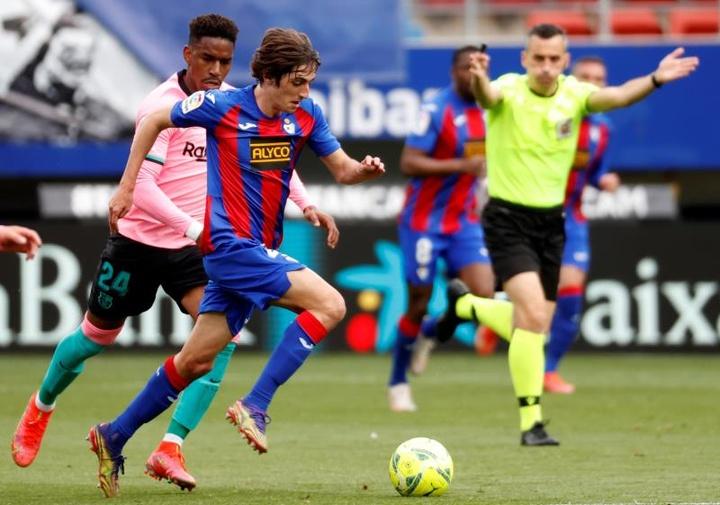 Junior Firpo suena para jugar en Italia. EFE/Javier Etxezarreta