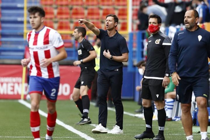Xabi Alonso no quiere que las cuatro bajas ante el Cartagena sean una excusa. EFE
