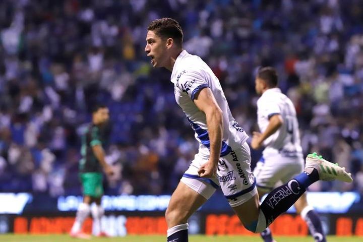 León se refuerza con el delantero Santiago Ormeño. EFE/Hilda Ríos/Archivo