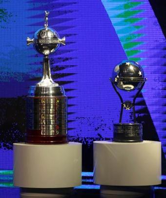 La CONMEBOL confirmó los horarios para la final de la Libertadores y la Sudamericana. EFE
