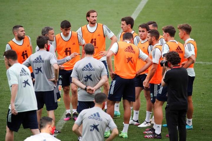 Luis Enrique convoque Mendez, Rodrigo, Fornals et Carlos Soler. EFE