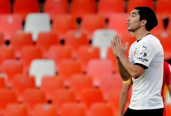 Carlos Soler habló sobre el penalti sobre Ansu Fati. EFE