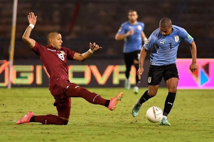La Fiorentina y el United preguntan por De La Cruz. EFE