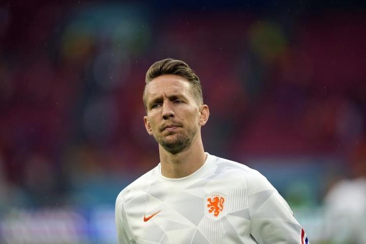 De Jong s'éloigne de Besiktas et s'approche du PSV. EFE/EPA/Peter Dejong/POOL