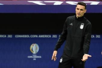 Scaloni destacó la actuación de Messi ante Ecuador. EFE