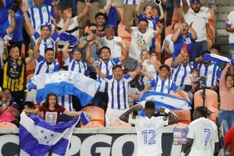 Honduras ganó a Panamá y estará en los cuartos de la Copa Oro. EFE
