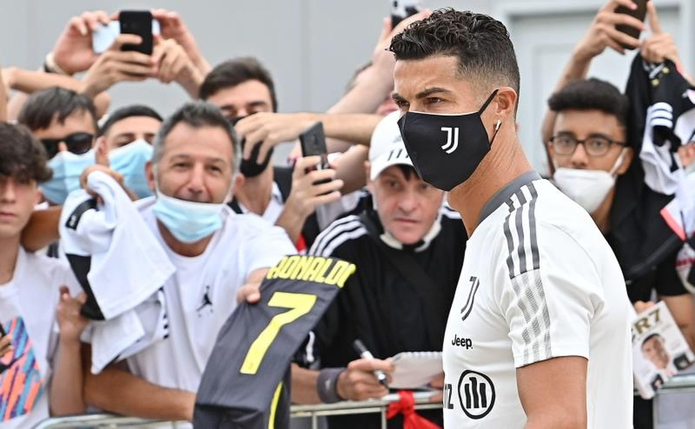 Cristiano is already with Juve to prepare for the season. EFE