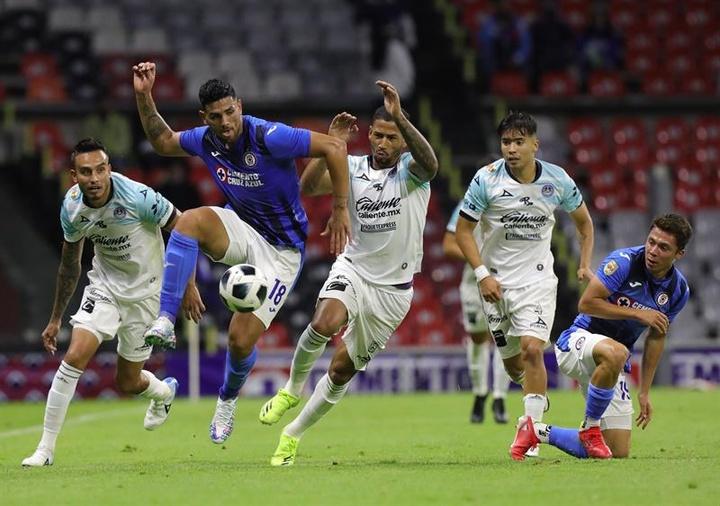 Cruz Azul perdió en la primera jornada. EFE