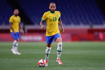 Dani Alves sigue sonando para reforzar al Barcelona. EFE/Archivo
