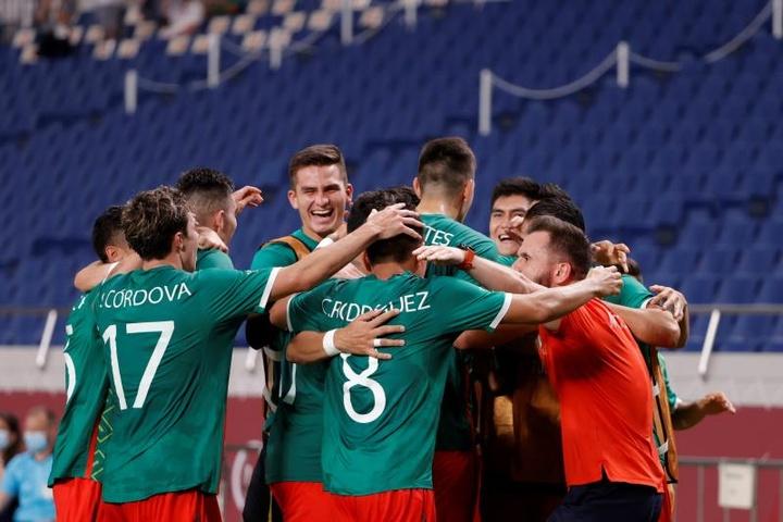 México se lleva el bronce de los Juegos tras batir por 3-1 a Japón. EFE