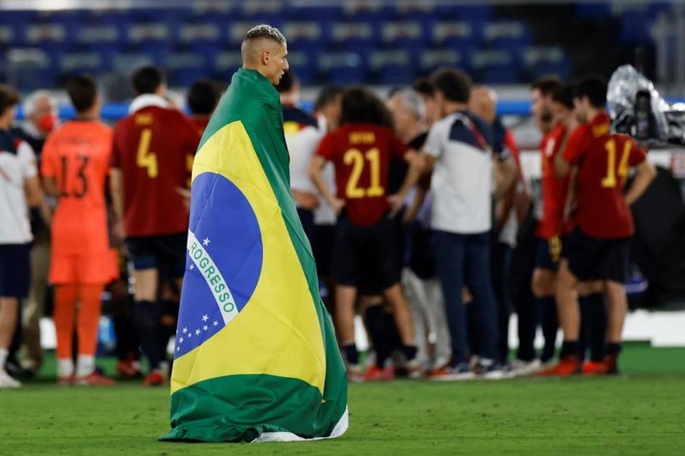 Richarlison bromeó a Neymar en la distancia. EFE