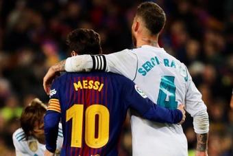 Este fin de semana no veremos esta imagen de Messi y Ramos. EFE