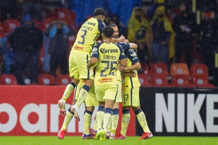 El América se puso líder de la Liga MX. EFE