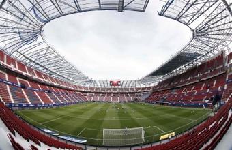 Un aficionado de Osasuna sufrió un infarto antes de que empezase el partido. EFE/Archivo