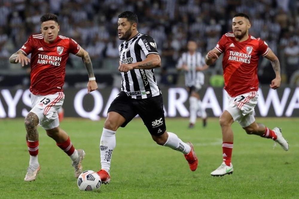 Por que o Palmeiras não contratou Hulk e Diego Costa?  EFE/Bruna Prado
