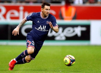Messi makes his PSG debut. EFE