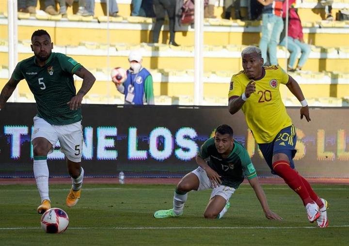 Bolivia rascó un valioso punto ante Colombia. EFE