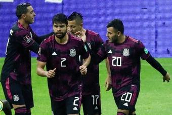 México logró una victoria agónica. EFE
