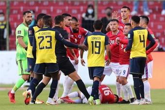 Junior Sornoza fue expulsado por un pisotón. EFE