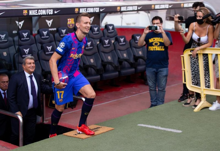 Gica Craioveanu criticó el fichaje de Luuk de Jong por el Barcelona. EFE
