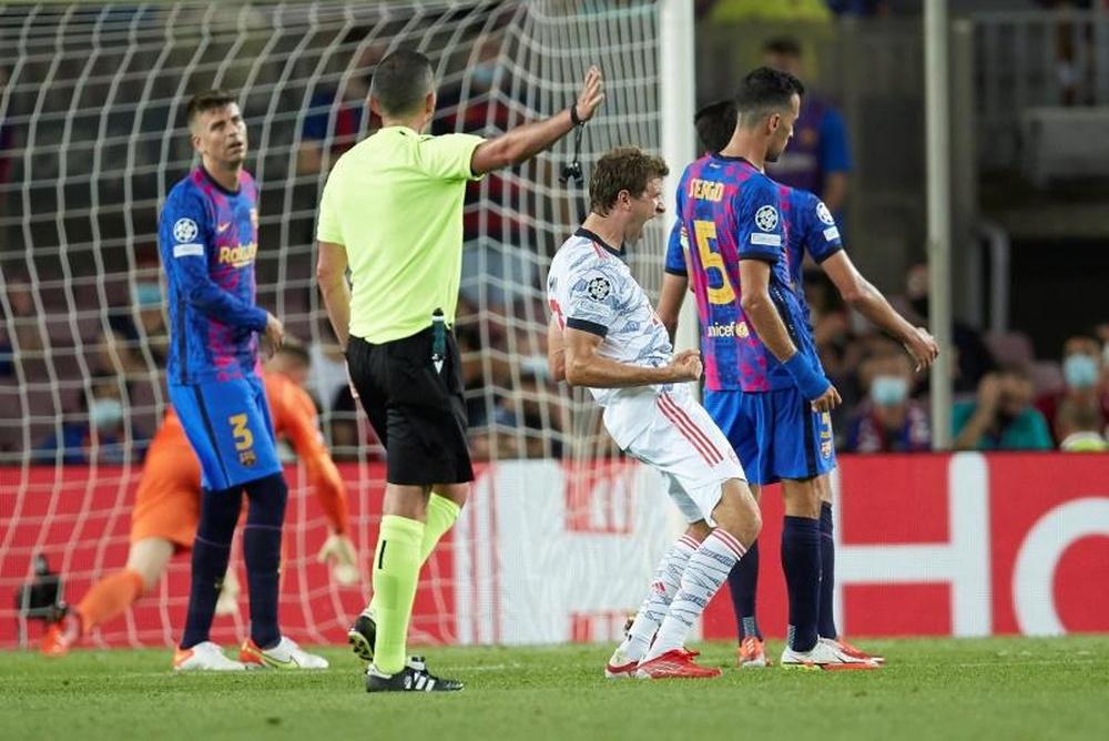 El Bayern sigue a Pedri, De Jong, Ter Stegen y Dest. EFE