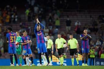 Los capitanes del Barça intentan calmar los ánimos. EFE/Archivo