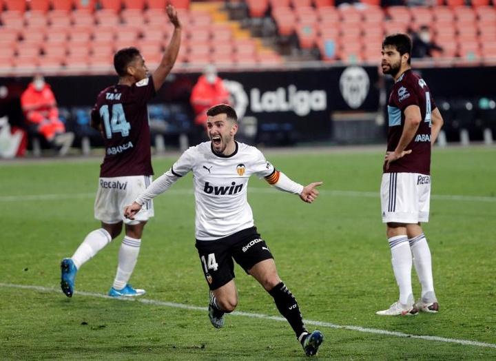Valencia trabalha nas renovações de Gayà e Soler.EFE