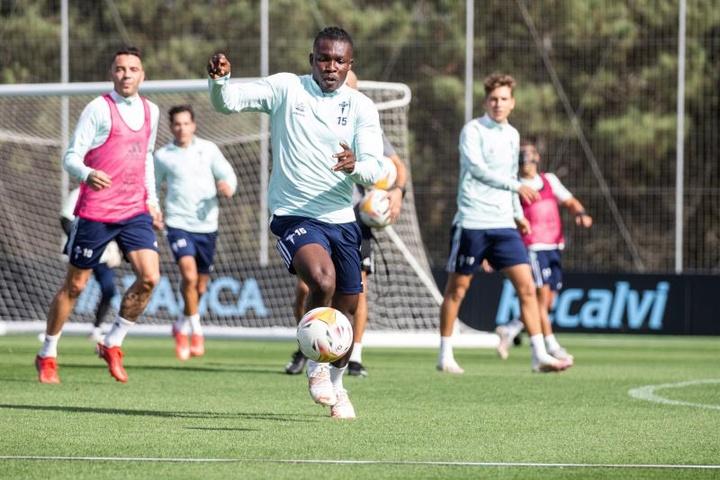 Aidoo volvió a los entrenamientos con el Celta. EFE