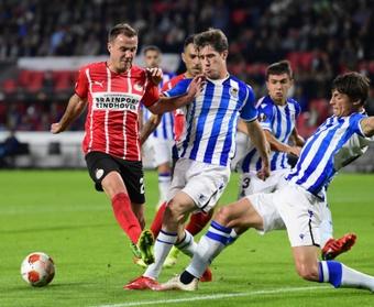 La Real Sociedad empató a dos ante el PSV en su estreno en Europa. EFE