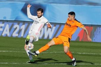 Maxi Gómez no acompañará al equipo a Sevilla. EFE