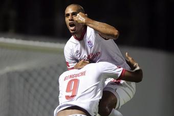La CONCACAF descalificó a Inter Moengotapoe y Olimpia. AFP
