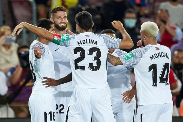 Eteki, Escudero y Abram tuvieron que ser sustituidos por molestias musculares ante el Barça. EFE
