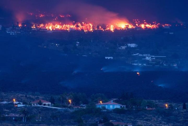 Clube espanhol faz ação solidária pelos afetados pelo vulcão. EFE/Carlos de Saá