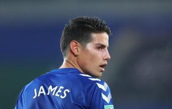 A estreia de James vai ter que esperar. AFP