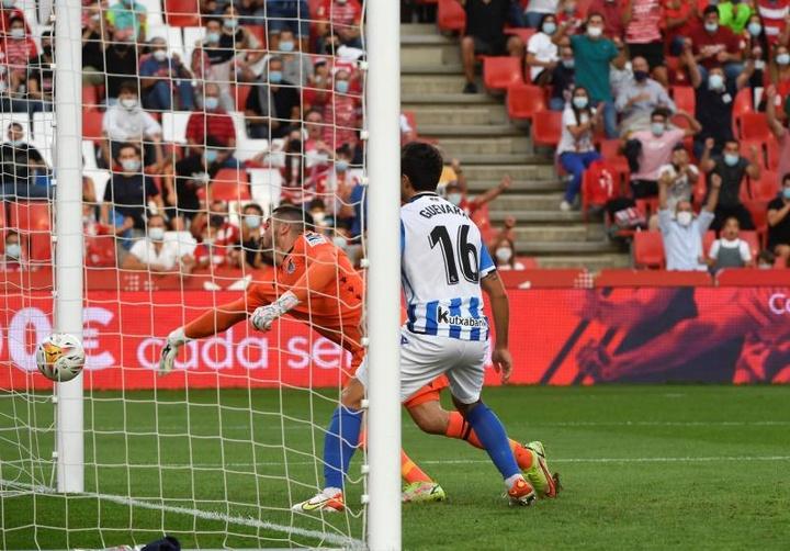 La Real Sociedad barrió al Granada. EFE