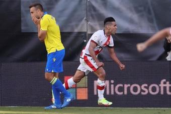 El Rayo se enfrenta al Elche en Liga. EFE