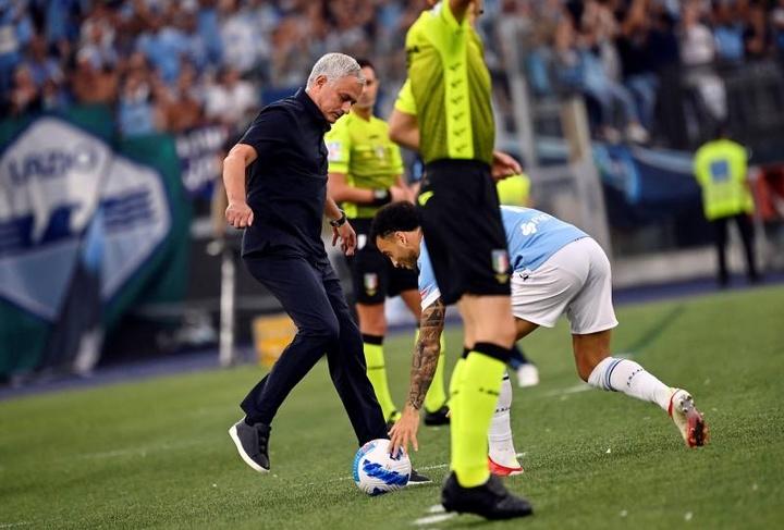 A Lazio leva a melhor no clássico romano. AFP