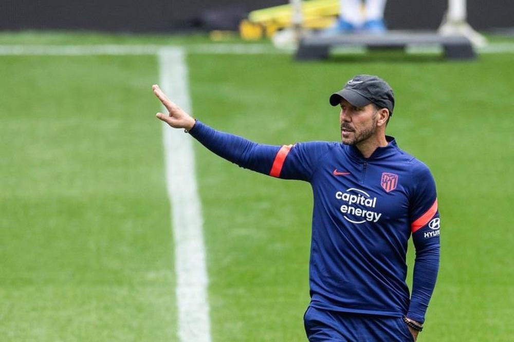 Simeone analizó su día a día como entrenador. EFE