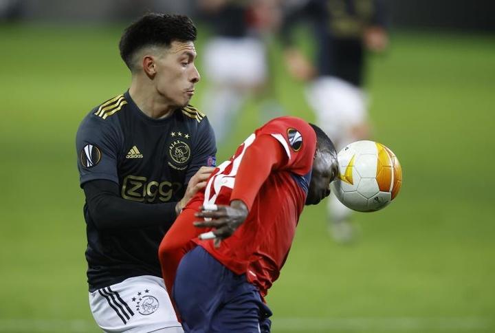 Lisandro Martínez renova com o Ajax até 2025. AFP
