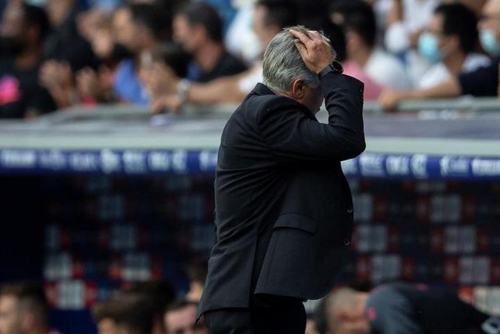 Le casse-tête continue pour Carlo Ancelotti. EFE