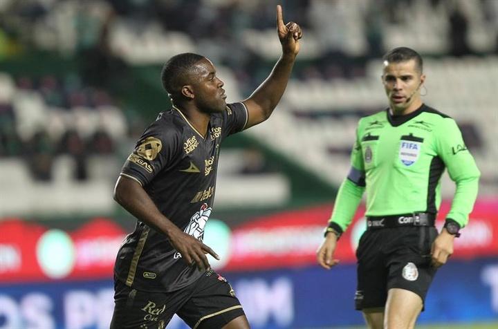 L'attaquant costaricien Campbell entend récupérer les points perdus à domicile. EFE