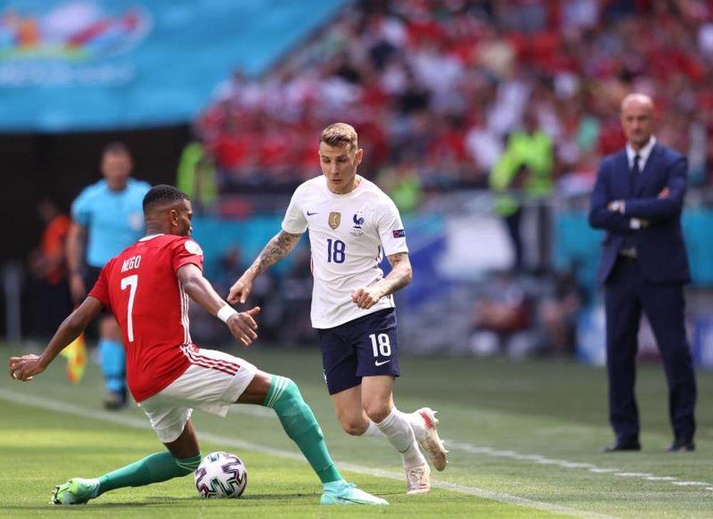 Lucas Digne não enfrentará a Espanha na grande decisão. EFE/EPA/Alex Pantling