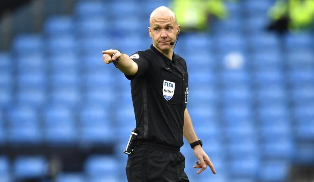 Anthony Taylor fue criticado por su criterio en la final de la Liga de las Naciones. EFE