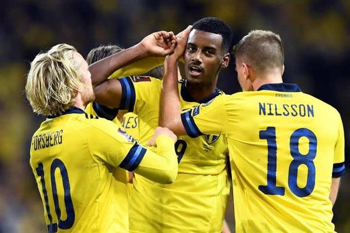 Isak marcó un golazo. EFE