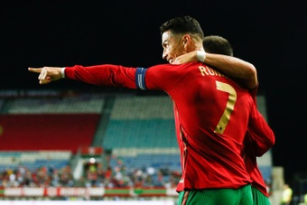 Cristiano surpasses Ramos and is the European with the most duels with his national team. EFE