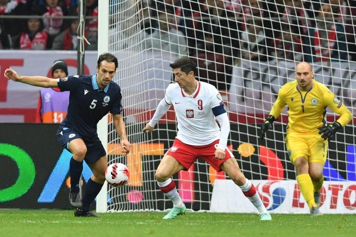 Lewandowski se va de vacío en la 'manita' a San Marino. EFE