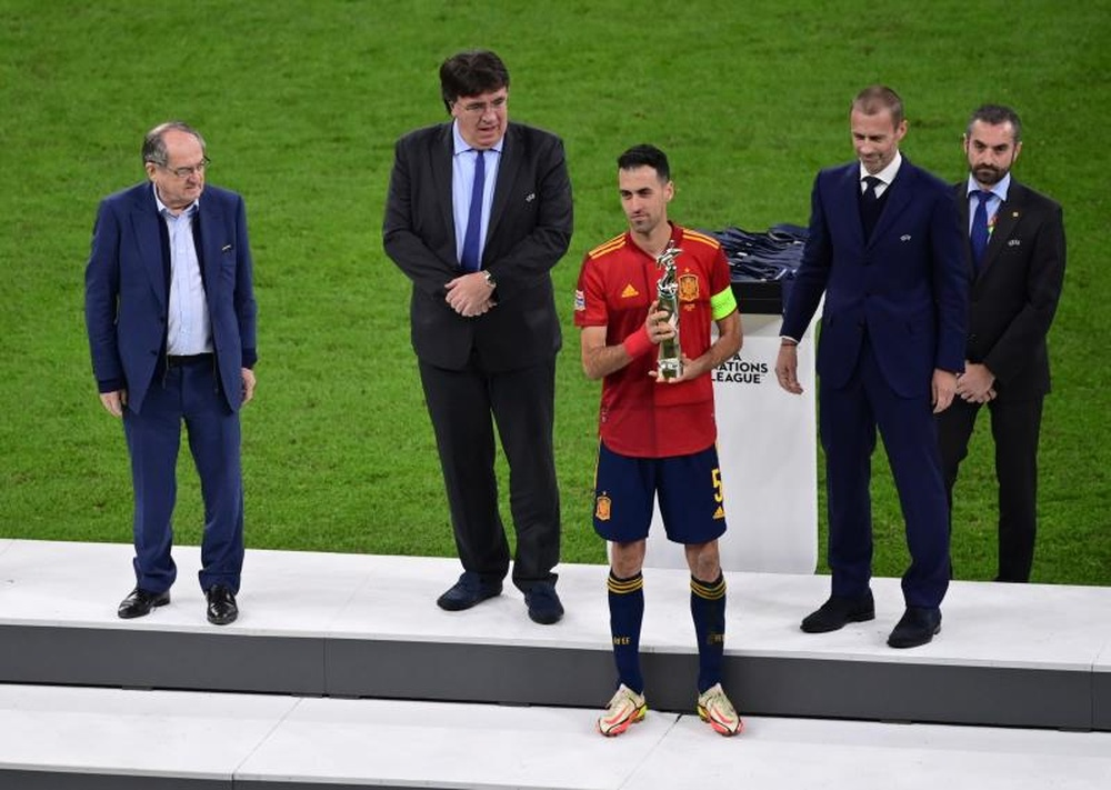 Busquets was named the best player of the Nations League. EFE