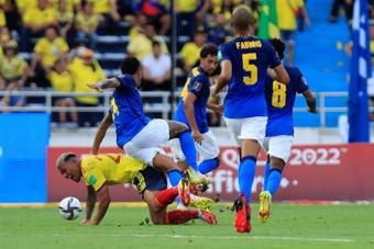 Colômbia arranca primeiros pontos ao Brasil.EFE